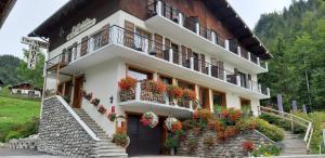 Location gîte, chambres d'hotes Hôtel Flor'Alpes dans le département Savoie 73