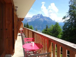 Apartment with 2 bedrooms in Cordon, with wonderful mountain view, furnished balcony and WiFi - Hotel - Cordon