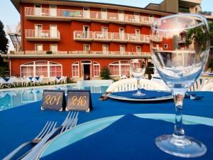 Hotel Villa Rosa, Hotely  Nago-Torbole - big - 43