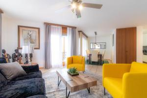 Spacious and stylish 4.5 room apartment in Sion - Hotel
