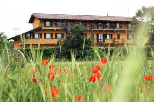 Residence La Bellotta, Apartmány  Oleggio - big - 23