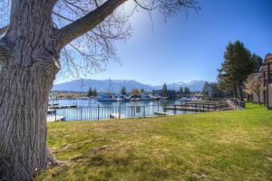 Betty Anns Place by Lake Tahoe Accommodations - Hotel - South Lake Tahoe