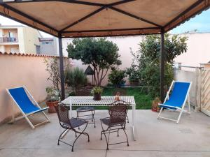 Apartment with one bedroom in Sestu with enclosed garden and WiFi