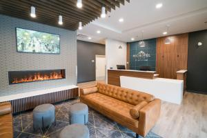 Microtel Inn & Suites by Wyndham Kelowna - Hotel