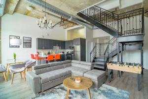 Luxury Penthouse Duplex with personal Rooftop in Downtown Chicago