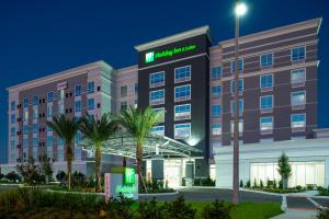 Holiday Inn & Suites Orlando International Drive South