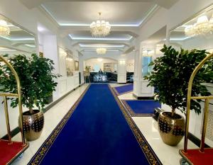 Отель 7 Avenue Hotel and SPA
