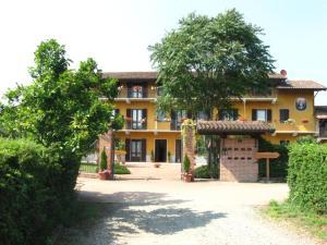 Residence La Bellotta, Ferienwohnungen  Oleggio - big - 1