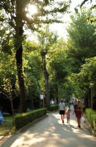 Camping Bella Italia, Dovolenkové parky  Peschiera del Garda - big - 74