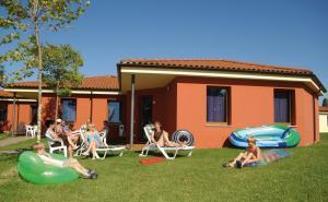 Camping Bella Italia, Комплексы для отдыха с коттеджами/бунгало  Пескьера-дель-Гарда - big - 84