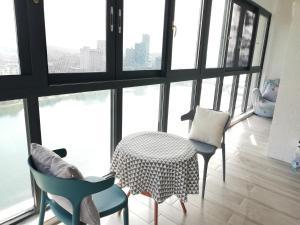 Manxuan Apartment (East River Lake 180 Degree River View Room), Apartmány  Zixing - big - 3
