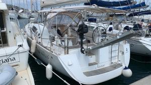 Barca a vela Oceanis 46' 14 metri con 8 posti lett - AbcAlberghi.com
