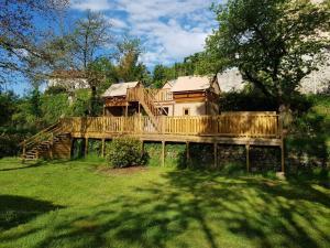 Location gîte, chambres d'hotes Camping de Retourtour dans le département Ardèche 7