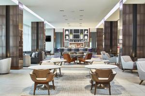 AC Hotel by Marriott Atlanta Airport Gateway - Atlanta
