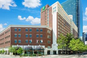 Holiday Inn Charlotte Center City, an IHG hotel