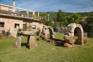 Albergue El Solitario, Ferienhöfe  Baños de Montemayor - big - 45