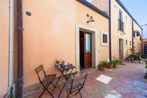 Il Mare in Corte Apartments - AbcAlberghi.com