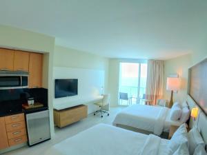 Hilton Fort Lauderdale Beach Resort (2 of 55)