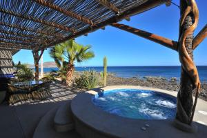Tranquil Retreat on the Beautiful Bay of Dreams - Villa Langosta