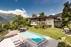 Schenna Chalet - Luxury Panoramic Apartments - AbcAlberghi.com