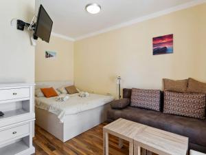 Plush Apartment in Podstrana near Golf Course