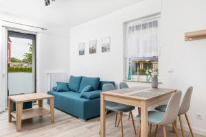 Sunny Rewal Apartments by Renters