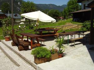Rifugio Casa Alpina Julius Kugy, Hostely  Malborghetto Valbruna - big - 11