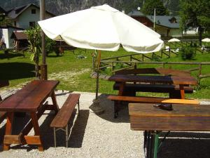 Rifugio Casa Alpina Julius Kugy, Hostely  Malborghetto Valbruna - big - 30