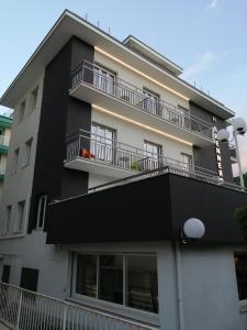 Hotel Brennero - AbcAlberghi.com
