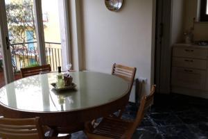 Casa Girasole: luminosa, spaziosa e centrale! - AbcAlberghi.com