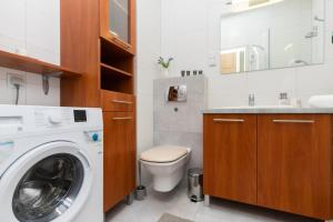 Apartments Hallera Zajezdnia Wrzeszcz by Renters