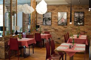 Velvet Hotel Restaurant