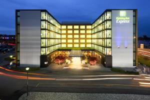 Holiday Inn Express Zürich Airport, an IHG hotel