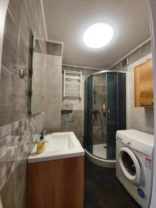 Apartament 27