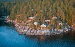 Rockwater Secret Cove Resort - Accommodation - Halfmoon Bay