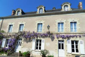 La Villa du Haut Layon, Bed and Breakfasts  Nueil-sur-Layon - big - 1