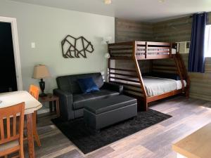 Peaks Lodge - Hotel - Revelstoke