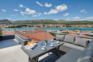 Apartments Rooms Žaja