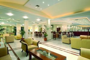 Selini Suites, Hotely  Kolimvárion - big - 29