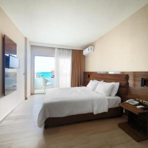 Ozgur Bey Spa Hotel (Adult Only), Алания