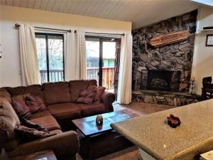 Three-Bedroom Specialty Townhouse Unit #66 by Snow Summit Townhouses
