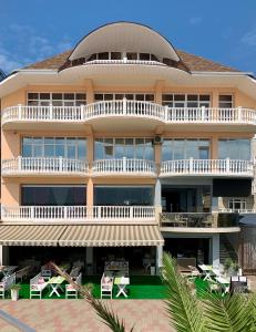 Отель Кавказ, Лазаревское