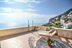 Amalfi Villa Sleeps 4 Air Con WiFi - AbcAlberghi.com