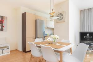 Jantar Apartamenty Wylotowa