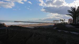 Habitación cerca a playa Desayuno y piscina