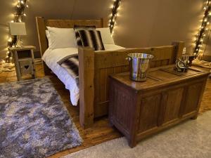 Stanage lodge luxury Tipi