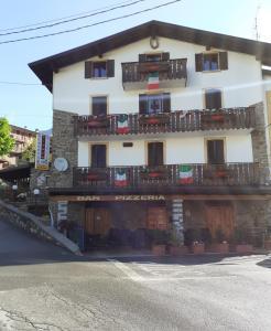 Albergo Pizzeria Ristorante Al Ponte - Hotel - San Colombano