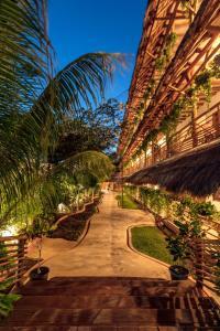 Tropical Suites by MIJ