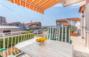 Nice apartment in Omisalj w/ WiFi and 1 Bedrooms - Hotel - Omišalj