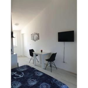 Apartment Mate4